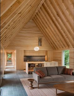 HGA Architects have designed a group of cottages ( Marlboro Music Cottages) to provide senior musicians accommodation at the Marlboro College campus in Marlboro, Vermont. Cape Cod Style House, Wooden Cottage, Interior Architecture, Interior Design, Japanese Architecture, Interior Walls, Casas Containers, Contemporary Cottage, Contemporary Classic