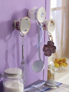Alte Porzellantassen an der Wand! So können Sie den DIY-TIPP ganz einfach nachmachen ...