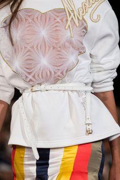 Alexis Mabille at Paris Fashion Week Spring 2017 - Details Runway Photos