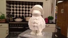 How to Make a Paddington Bear Cake Paddington Cake Cake Pops, Ours Paddington, Cake Structure, Teddy Bear Cakes, Sculpted Cakes, Gum Paste Flowers, Cupcakes, Novelty Cakes, Sugar Art