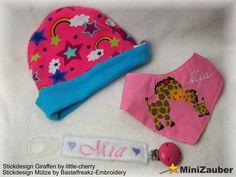 Ein Babyhalstuch und Mütze. Beides komplett ITH gestickt. Und ein Schnullerband.  Embroidery Design