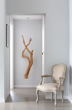 Ramas en la pared • Contemporary living with branches on the wall