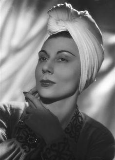 Alice Sapritch (1916–1990) DIEULOIS