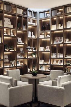 Home Library Design, Interior Design Studio, Home Office Design, H Design, House Design, Bookshelf Design, Modern Shelving, Modern Room, Office Interiors