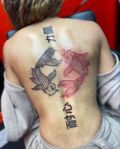 Dope Tattoos For Women, Black Girls With Tattoos, Spine Tattoos For Women, Feminine Tattoos, Girly Tattoos, Cute Tattoos, Tatoos, Badass Tattoos, Pretty Hand Tattoos