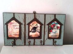 Placa ripada porta chaves com apliques em mdf de casinhas, ganchos para pendurar chaves ou acessórios. <br>Peça decorativa, super útil, um charme para presentear!