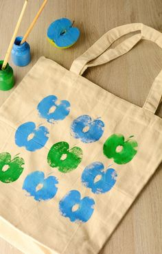 Time to get creative and do something for the environment at the same time! Make your own DIY Apple Printed Grocery Bag and never use a plastic bag again.