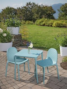 """Fantastic """"bistro furniture design""""x detail is offered on our web pages. Take a look and you will not be sorry you did. Outside Room, Outside Living, Outdoor Areas, Outdoor Rooms, Outdoor Decor, Bistro Table Set, Aluminum Patio, Outdoor Dining Furniture, Internet"""