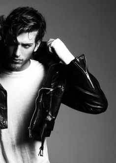 Doesn't matter the season, a leather jacket is a must. Find your Inspiration @ #DapperNDame Pinterest. dapperanddame.com