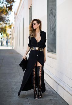 - Street Style: Thigh-High Lace-Up Boots + Black Maxi Shirt Dress + Gold Belt + Clutch + Shades Trend Fashion, Look Fashion, High Fashion, Autumn Fashion, Womens Fashion, Fashion 2015, Fashion Black, Net Fashion, Fashion Bloggers