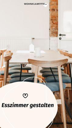 Die Gestaltung des Essbereichs beginnt mit der Grundausstattung des Raums und setzt sich mit der Auswahl der Esszimmermöbel fort. Mit geschickt platzierten Lichtquellen und einer passenden Dekoration schaffst Du ein behagliches Ambiente – hier bekommst Du hilfreiche Inspirationen. Dining Table, Inspiration, Furniture, Home Decor, Table, Homes, Essen, Dekoration, Biblical Inspiration