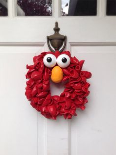 Elmo Balloon Wreath by BalloonBash on Etsy, $25.00