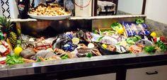 Arrivi giornalieri di pesce e frutti di mare dove potrai scegliere la tua grigliata o la tua frittura