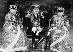 6 Nov- When the king of Nepal had to leave his country to establish democracy - MythicalIndia