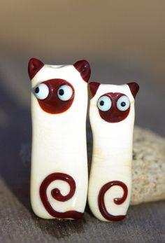 Lampwork glass beads. Cats. Siamese.  Laila Strazdina