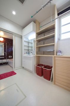 みづほ工房 | 住まいの実例ギャラリー | 家づくりナビ Washroom, Laundry Room, Condo, Storage, Interior, Closet, Furniture, Design, Home Decor