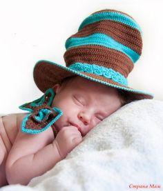 Первую шляпу-цилиндр мне заказали для фотосессий младенцев.  Для того, чтобы не повторить мою ошибку – напишу название пряжи, которую покупала на первую шляпу: 1.