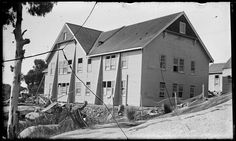 The Chalet, Mt Buffalo. Construction of north wing, including dining room and cafe, under V. (State library of Victoria collection) Vintage Ski, Buffalo, Melbourne, Skiing, Dining Room, Management, Victorian, Construction, Australia