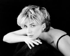 Natasha Richardson Shaggy Short Hair, Short Hair Cuts, Short Hair Styles, Pixie Cuts, You Look Beautiful, Beautiful Lips, Haircuts Plus, Natasha Richardson, Grown Out Pixie