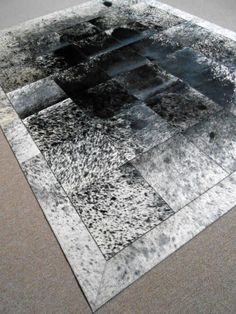 Patchwork cowhide carpet www.tapijtenenhuiden.com Fur Carpet, Rugs On Carpet, Georgian Court, Patchwork Rugs, Black Rug, Humble Abode, Old Houses, Family Room, Cow
