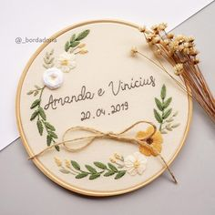 Hand Embroidery Patterns Flowers, Basic Embroidery Stitches, Hand Embroidery Videos, Creative Embroidery, Diy Embroidery, Wedding Embroidery, Ring Holder Wedding, Diy Arts And Crafts, String Art