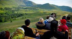 """Drumul+de+88+km+din+Maramures+unde+nimeni+nu+are+voie+cu+maşina.+De+ce+îşi+""""fac+cruce""""+turiştii+atunci+când+îl+parcurg Turism Romania, Romania People, Places To Visit, Orice, Travel, Beauty, Food, Beautiful Places, Traveling"""