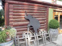 Elephant island winery Naramatta Bench
