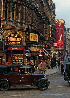 Piccadilly Circus, 1949
