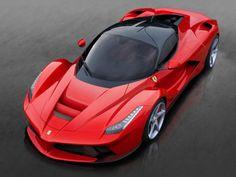Lamborghini La voiture qui se trouve à la dernière place du classement des ventes des voitures de luxe est la Lamborghini qui a vendu cette année 2200