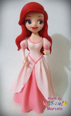 Ariel vestida de princesa.