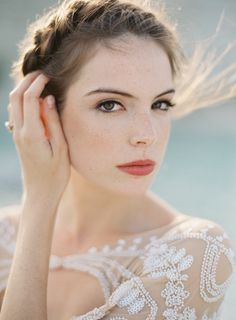 Coral lips for bride | 11 Favorite Winter Bridal Beauty Trends via @exquisitewedmag
