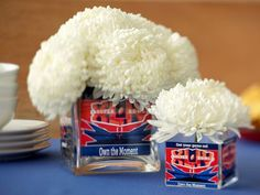 Super Bowl Sunday is the perfect occasion for a Super Bowl Party. Be ready for kick-off with these fun & easy decoration ideas. Since most of the focus is on the game and the food.keep it simple with the decor. Football Centerpieces, Floral Centerpieces, Bowl Centerpieces, Centerpiece Ideas, Flower Arrangements, Football Crafts, Football Fans, 2nd Baby Showers, Super Bowl Sunday
