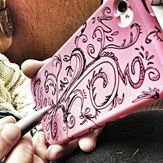 sharpie decorating my iPhone case!