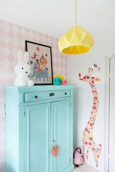 Lola's pastel kidsroom