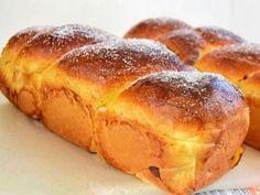 Secrete si sfaturi pentru un cozonac necrapat Romanian Food, Bread Baking, Hot Dog Buns, Baked Goods, Sweet Recipes, Banana Bread, Bakery, Sweets, Sweet Dreams