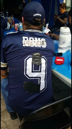 This is Dallas Cowboy loyalty for you.... LMAO