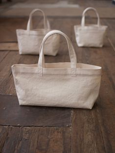 Best 12 bag in bag – SkillOfKing. Fabric Purses, Fabric Bags, My Bags, Purses And Bags, My Style Bags, Diy Handbag, Linen Bag, Cloth Bags, Canvas Tote Bags