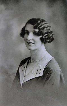 Fantastic 1920s waves. #vintage #hair #1920s #portrait