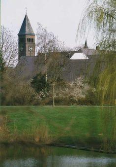Lambertuskerk : gezien vanuit de Loovepark vijver. Auteur(s) Asten-Someren ; Fotoclub 4/1998