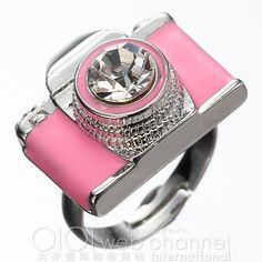 6%Dokidoki Camera Ring ($18) ❤ liked on Polyvore featuring jewelry, rings, accessories, pink, anillos, women, pink ring, stone rings, stone jewelry and pink jewelry