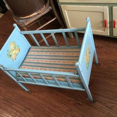 For Sale: Vintage 1950 Era AMSCO Doll-E-Crib Toy - This is a Vintage 1950 Era AMSCO Doll-E-Crib Baby Doll Toy Metal Crib. It comes with the mattress. The side slides up and down for playing with. Baby Doll Crib, Baby Crib Sheets, Baby Doll Toys, Baby Girl Bedding, Baby Bassinet, Baby Cribs, Crib Bedding, Vintage Crib, Vintage Dolls