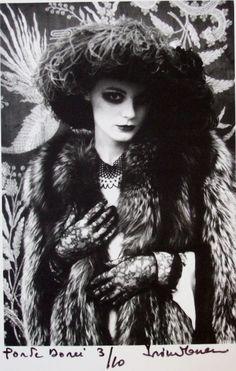 Irina Ionesco #3 la porte dorée