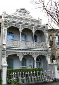 Grasmere is another fine example of the extravagant Victorian Filigree architecture located on Royal Parade in the Melbourne suburb of Parkville. The facade features decorative head and floral mouldings with an impressive parapet and cast iron lace work. Architecture Logo, Australian Architecture, Victorian Architecture, Australian Homes, Victorian Terrace House, Victorian Homes, Victorian Irons, Victorian Design, Victorian Era