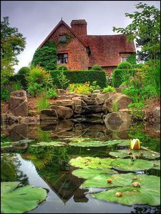 Great Screen English Garden pond Strategies Gardening may be the most popular hobby as long as I could remember. When I was 10 years-old, I conv English Country Gardens, English Countryside, Garden Pond, Water Garden, Beautiful Landscapes, Beautiful Gardens, British Garden, Garden Cottage, Water Features