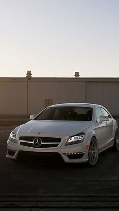 White Mercedes Benz Cls63 Wallpaper