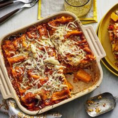 It's no secret that cool weather and cozy pasta dinners go hand-in-hand. Warm up with one of our favorite fall pasta recipes, featuring autumn Cheap Pasta Recipes, Autumn Pasta Recipes, Meat Recipes, Fall Recipes, Crockpot Recipes, Chicken Recipes, Cooking Recipes, Pasta Recipies, Pasta Dinners