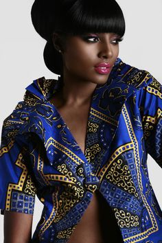 Beautiful dark skin and a vibrant lip color love it make up brown skin: African Inspired Fashion, African Fashion, Cabello Afro Natural, Dark Skin Beauty, Kitenge, My Black Is Beautiful, African Beauty, Beautiful African Women, Black Girls