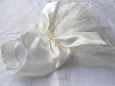 Downton Abbey Inspired White Satin Drawstring Wedding Purse Lined Handmade by handcraftusa White Satin, White Lace, Off White, Wedding Purse, Martha Stewart Weddings, Pet Clothes, Hand Crochet, Vintage Inspired, My Etsy Shop