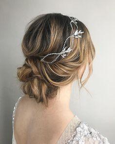 Elegant Updo ,messy updo hairstyle ,swept back bridal hairstyle ,updo hairstyles ,wedding hairstyles #weddinghair #hairstyles #updo