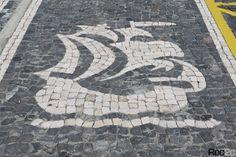 caravela calçada portuguesa, desenhos, simetrias, Furnas, Ilha São Miguel, pedra vulcânica, Ribeira Grande, Açores, calçada artística